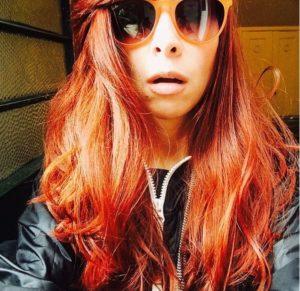 A cantora baiana Pitty surgiu com o cabelo mais ruivo nas redes sociais